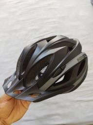 Capacete e Bermuda Ciclismo