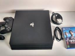 PS4 PRO Excelente estado, na caixa, com dois controles!