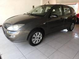 Focus Hatch 1.8 - 2001 ? Co, Gnv. R$ 13.900,00 - 2001
