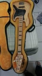 Contrabaixo Fender Deluxe V Americano