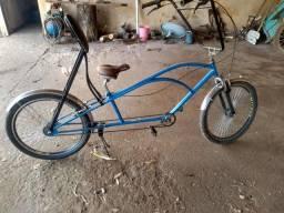 Bicicleta low rider com encosto