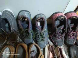 Tênis botinha e sandálias