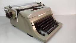 Antiga Máquina Escrever Olivetti Linea 88 Datilografia