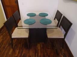 Conjunto de Jantar marca Prima Linea c/ Mesa + 4 Cadeiras + Puffe! Excelente! Lindo!