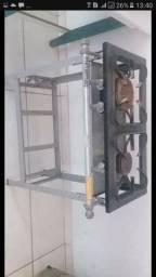 Fogão industrial, duas bocas de baixa pressão.