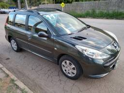 Peugeot 207 SW - ano 2011 - Completo