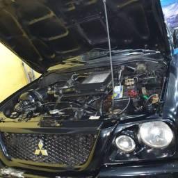 Caminhonete L200 diesel 4x4 automática