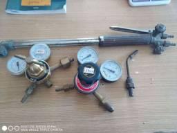 Monômetro de oxigênio e acetileno, e maçarico.