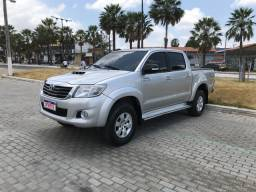 Hilux ano 2012 extra
