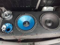 Vende se essa caixa de som