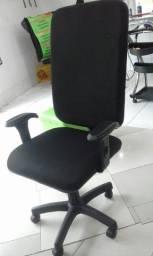 Cadeira presidente com apoio de braços reguláveis URGENTE