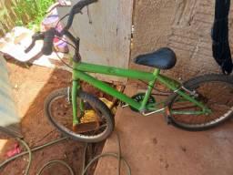 Vendo bicicleta de criança urgente por 130