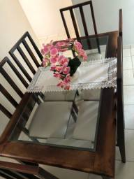 Mesa de madeira( 6 cadeiras) R$2.100