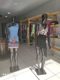 Loja completa de roupas em funcionamento