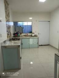 Casa com 3 quartos à venda, 150 m² por R$