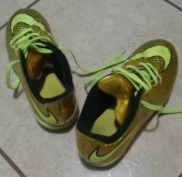 Chuteira Nike Hypervenom Dourada Original - Usada - Numeração 35 - Relíquia