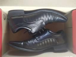 Sapato Marine 40, usado duas vezes