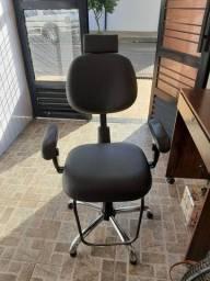 Cadeira de maquiagem usada em boas condições
