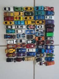 Coleção de carrinho total 63 carros