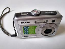 Câmera fotográfica retrô Sanyo (usada)