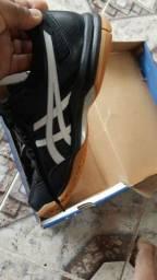 Tênis Asics novo na caixa número 37 valor 100 reais
