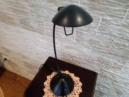 Luminária para mesa de escritório