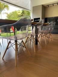 Cadeira Eames acrílico