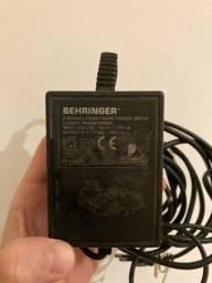 Fonte pra mesa behringer