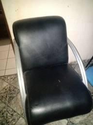 Cadeiras de apoio.