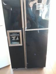 Vendo uma geladeira lady kenmore 26 R$400.00