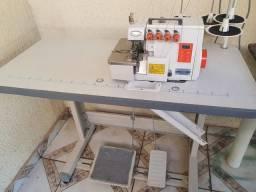 Máquina de costura eletrônica
