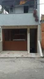 Sobrado com 3 casas - Jandira/SP