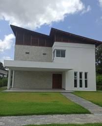 LM vende Luxuosíssima Casa com 420 m2 inserida num terreno de 704 m2