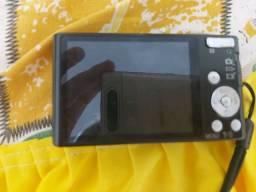 Vendo camera digital Sony 16.1 de 8 Gb de memoria
