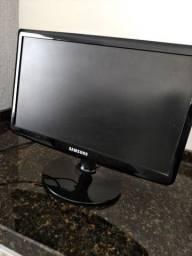 Monitor Samsung SyncMaster SA10 - USADO