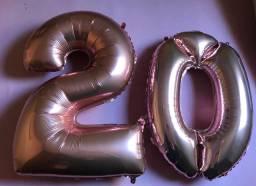 Balão de número 2 e 0