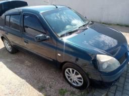 Vendo Clio sedã 2005/2006