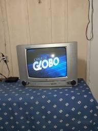 Televisão LG, c/garantia, ótima  aceito cartão