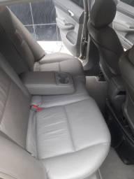 vendo Honda Civic completo.