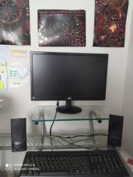 Computador semi-novo em ótimas condições