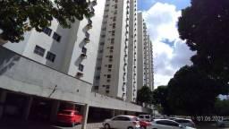 Apartamento com 2 dormitórios para alugar, 75 m² por R$ 1.000,00/mês - Torre - Recife/PE