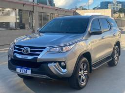 Toyota Hilux SW4 SRV 2.7 Automatica 7 Lugares