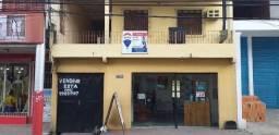 Casa Triplex com terraço/ Rua Oscar Borel/ Ótimo investimento/ Possuí Kitnetes