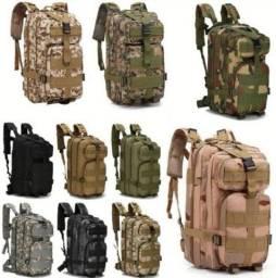Mochila tatica militar 30 Lt impermeavel modelos camuflados