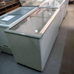 Freezer com tampa vidro montagem comercial
