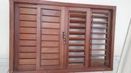 Janela de madeira de primeira qualidade