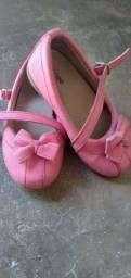 Sapatilha cor de rosa 25,00