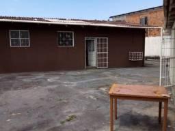Alugo Casa 3/4 no Planalto 1300