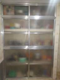 Porta para armário e ou dispensa em acrílico e alumínio