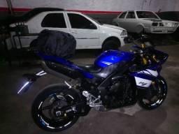 Moto R1  11/12